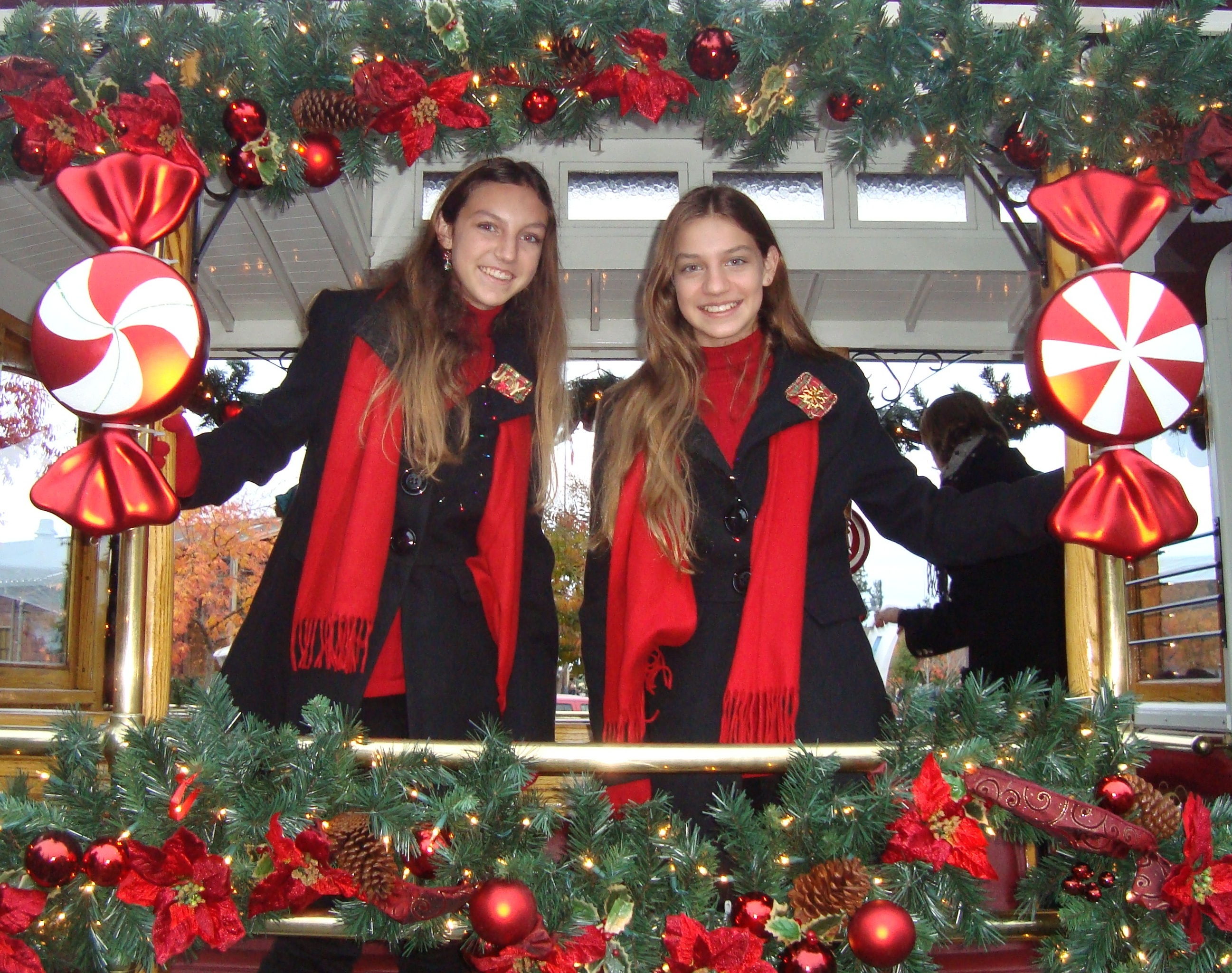 the-sparks-sisters-trolley-car-cropped